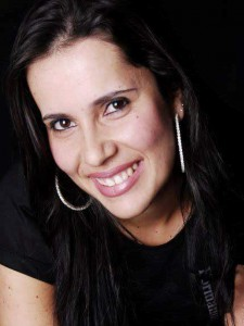 Nivia Carla Rodrigues